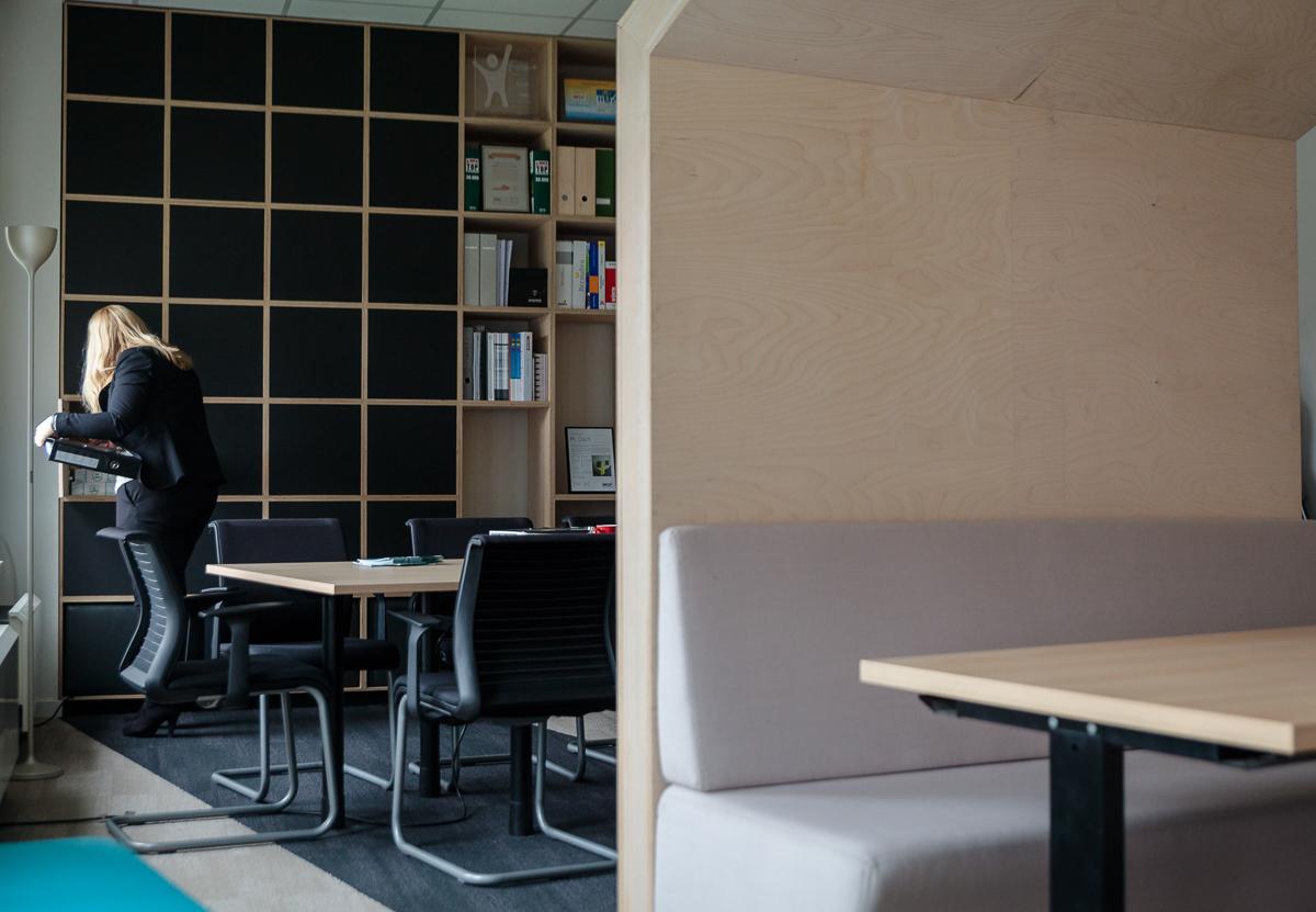 Foto en video reportage van de bedrijfsfotograaf van iso800. NCBham is een architectenbureau dat zich specialiseert in indrukwekkende ruimtes. Makisu: heerlijke sushi in een super stijlvol interieur – dankzij NCBham. Sfeerbeeld.