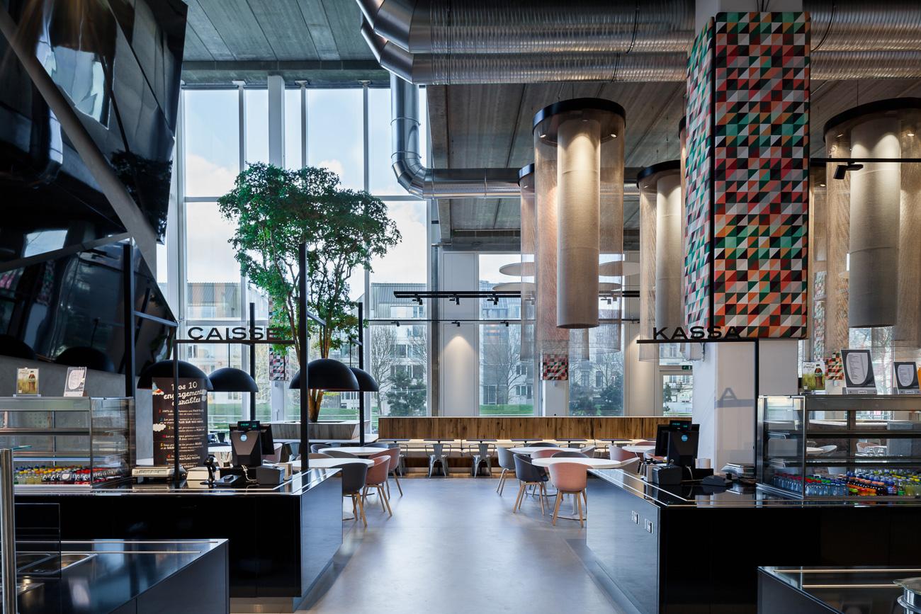 NCBham is een architectenbureau dat zich specialiseert in indrukwekkende ruimtes. Zij leverden creatieve ideeën aan het Zenith gebouw in Brussel. Iso800 fotografeerde de architectuur.