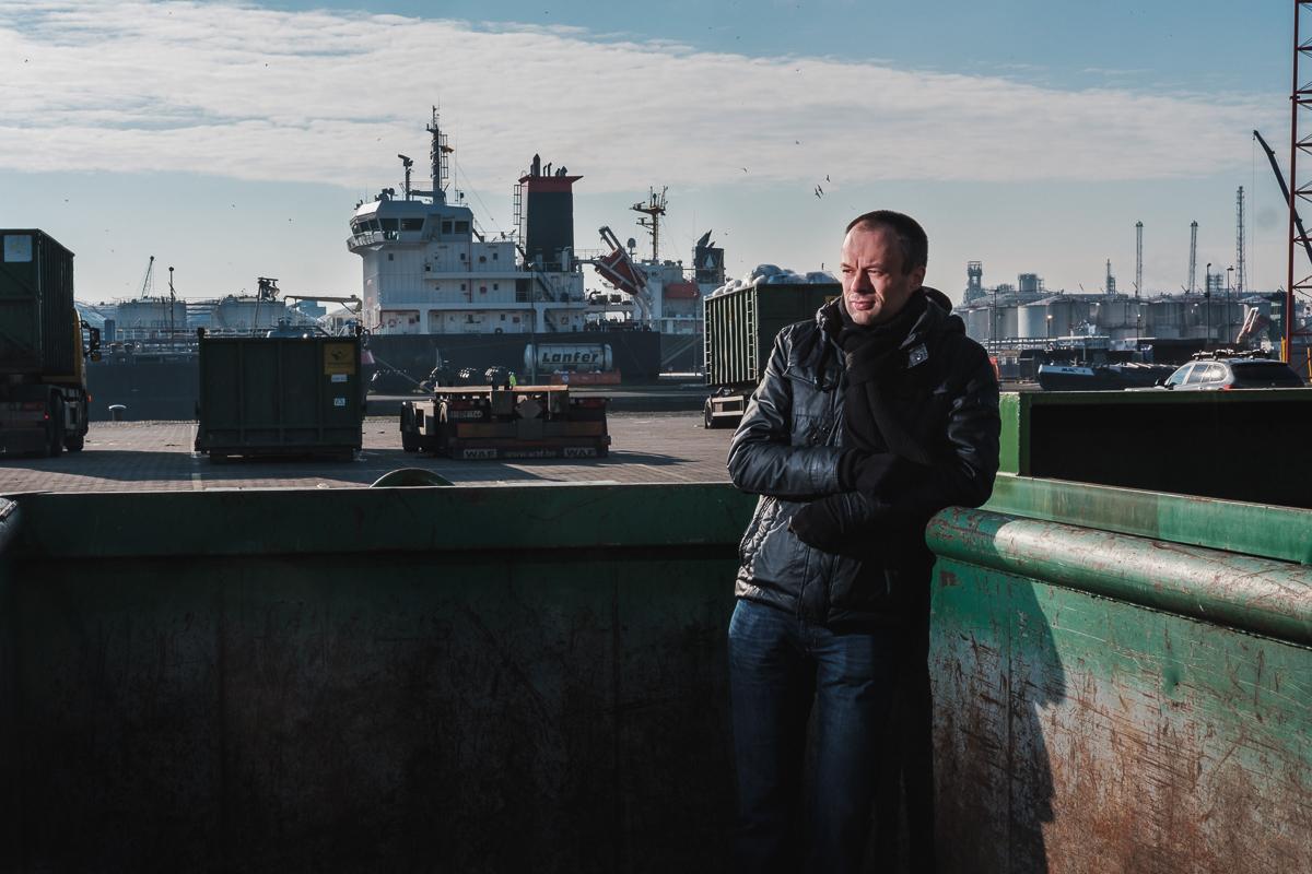 Steve Sel is één van de Frontrunners van Vlaanderen Circulair. iso800 ging haar opzoeken bij Vanheede in de haven van Antwerpen (Antwerpen)