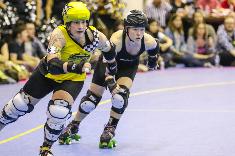 Queens MVP and Gotham newcomer Low Maim slipstreams behind returning All-Star player Fisher Twice. Photo by David Dyte.