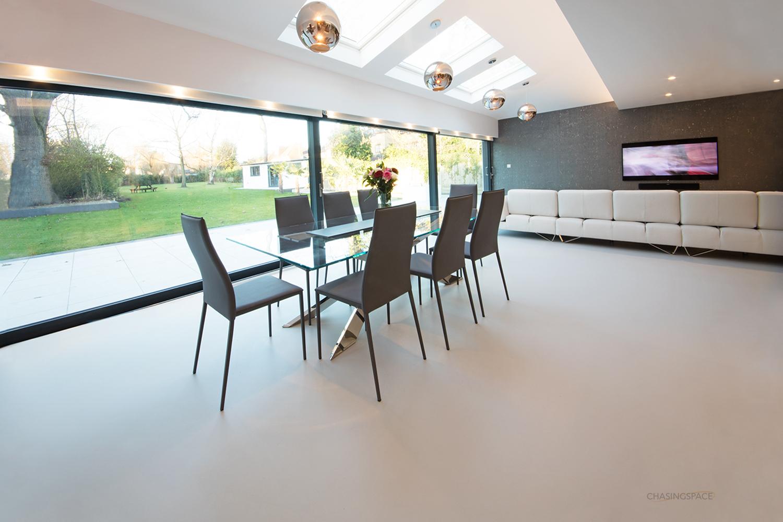 resin-flooring-Chasingspace.jpg