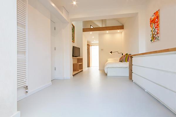 white-bedroom-floor.jpg