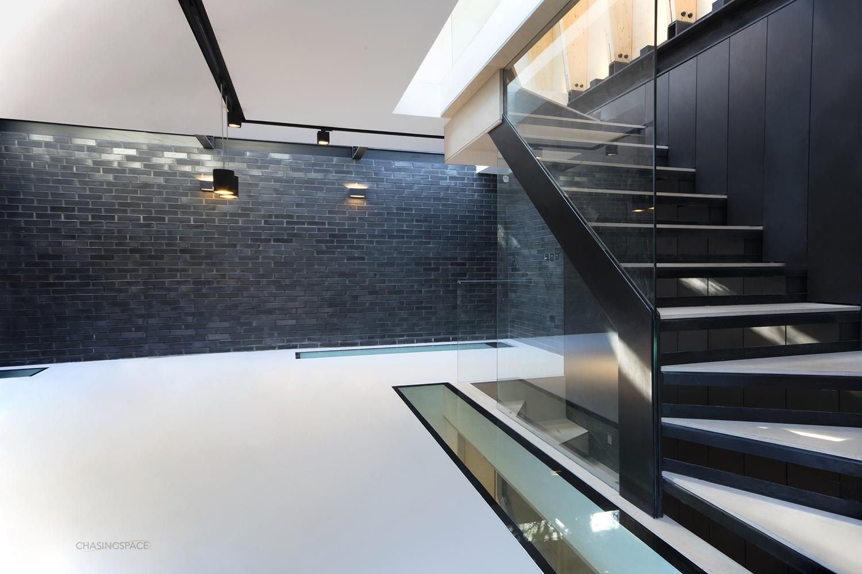 resin-floor-skylight-stairs.jpg