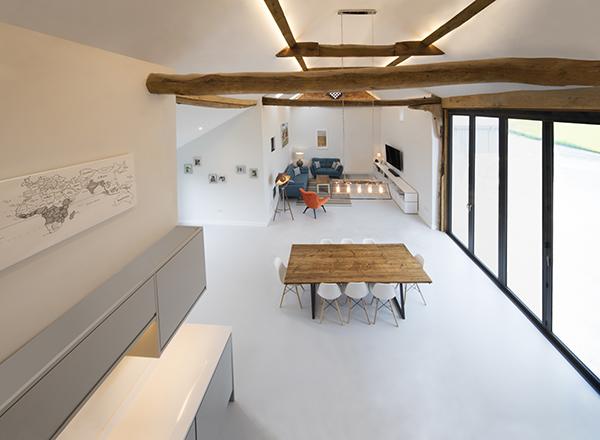 Barn-resin-floor.jpg