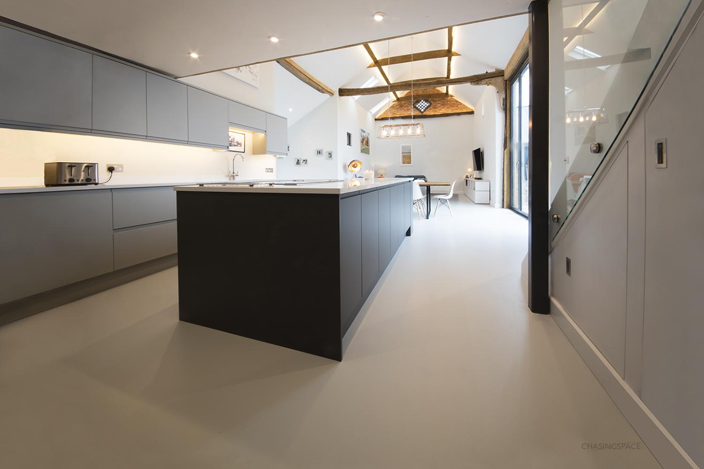 Resin-floor-Suffolk-barn.jpg