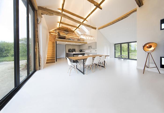 Grey-resin-barn-floor.jpg