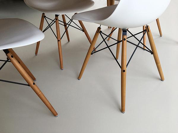 Eames-chairs tweet.jpg