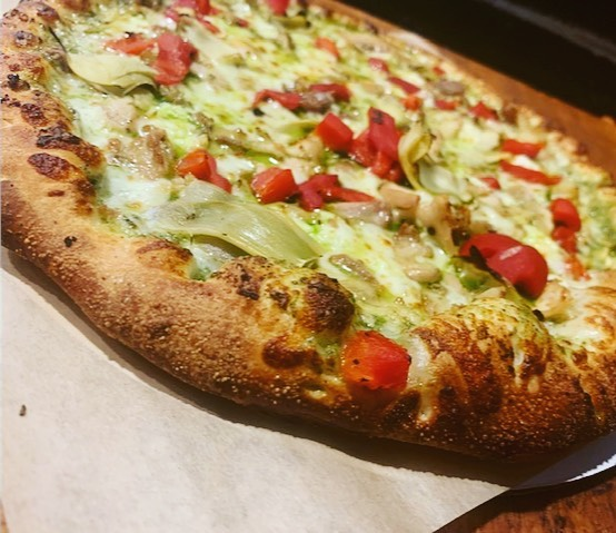 It's not all red sauce and pepperoni! Try our white sauce pizzas including this Chicken Pesto next time you need a Piezzetta fix! 🍕 #piezzetta  #ubereatsreno #pizzayourway #piezzettareno @horseshoebmore @circusreno @therowreno @renotahoe @yelpreno