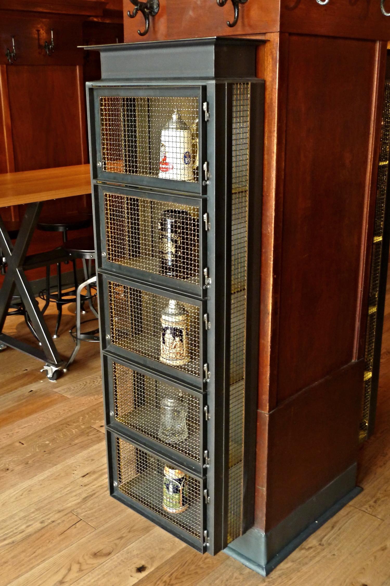 Stein locker