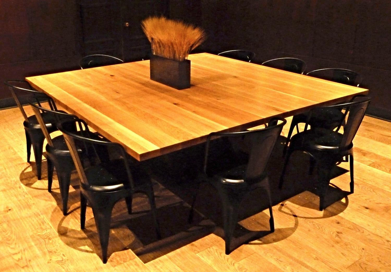 7'x7' oak table