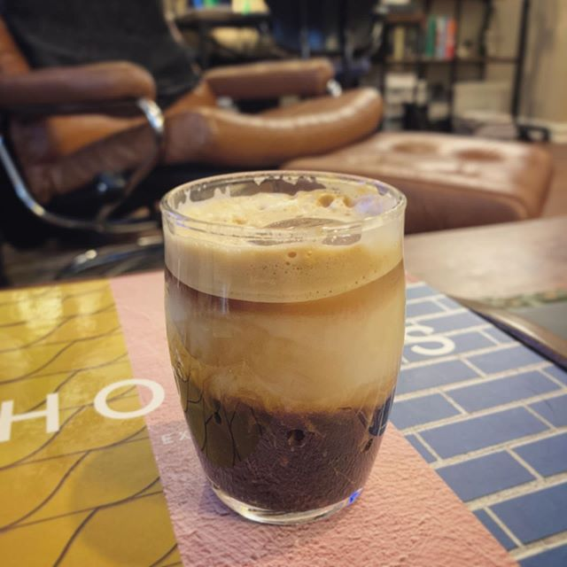We ❤️ our @nespresso so much! Rich and creamy coffee every morning, and today I made myself a cute little espresso shot over ice with a splash of walnut milk for an extra boost to help tackle a long to-do list. 😍