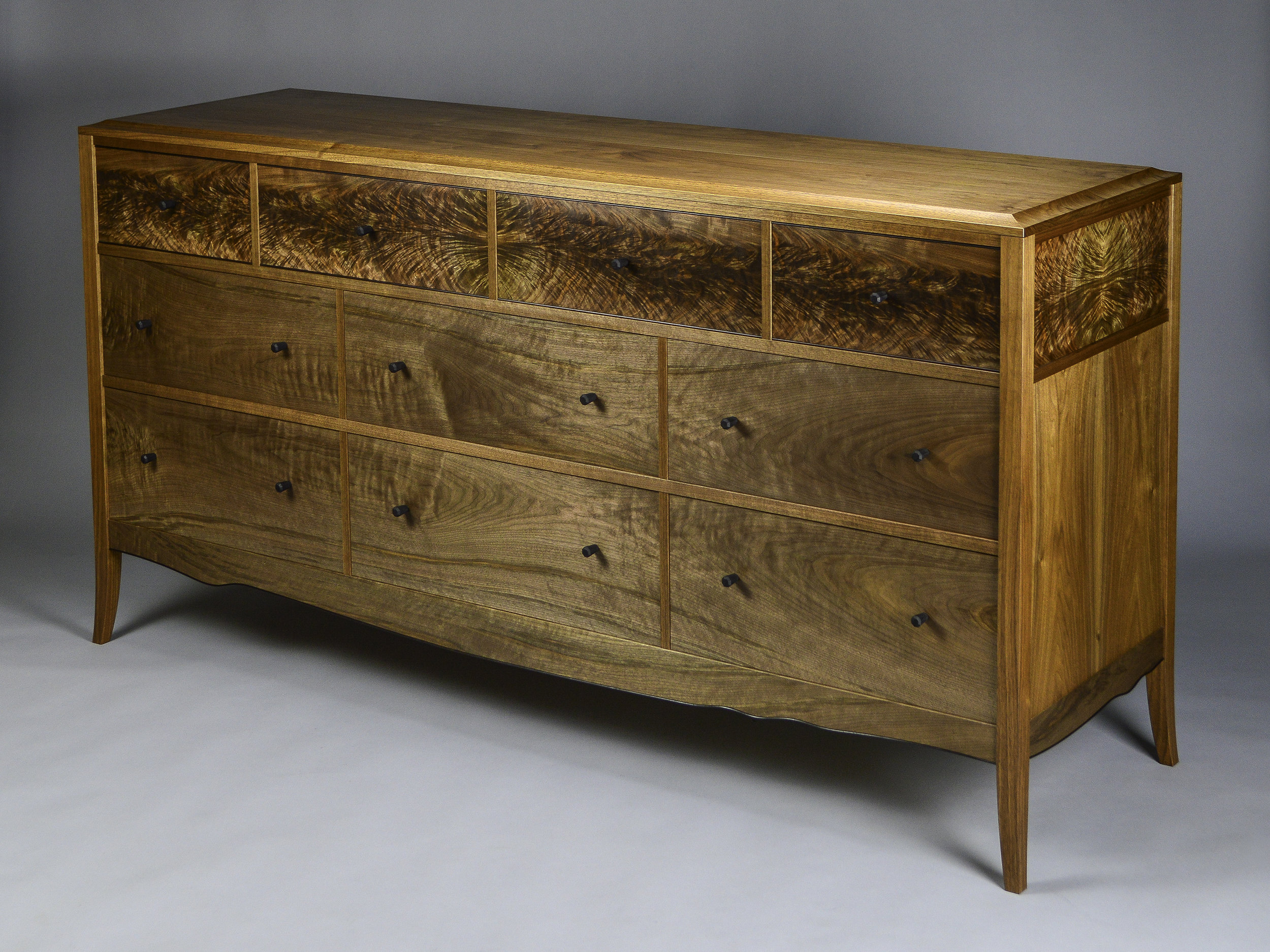 Chest of Drawers 1.jpg