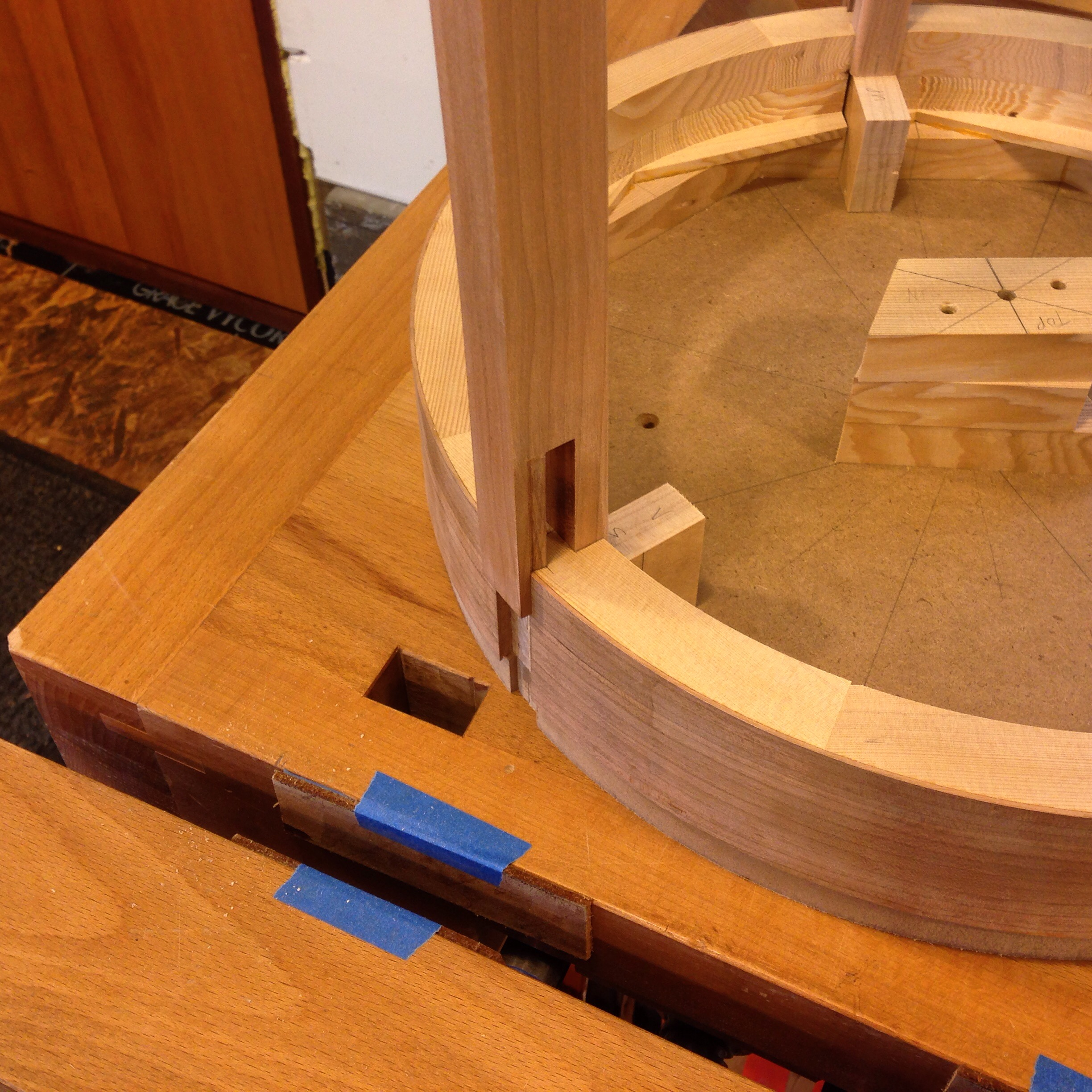 table leg joinery to apron.JPG