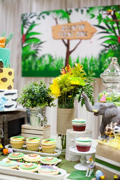 Safari Theme First Birthday Dohl Party Animal Cookies.jpg