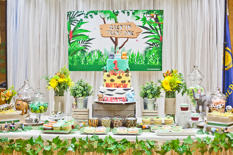 Safari Theme First Birthday Dohl Party Dessert Table.jpg