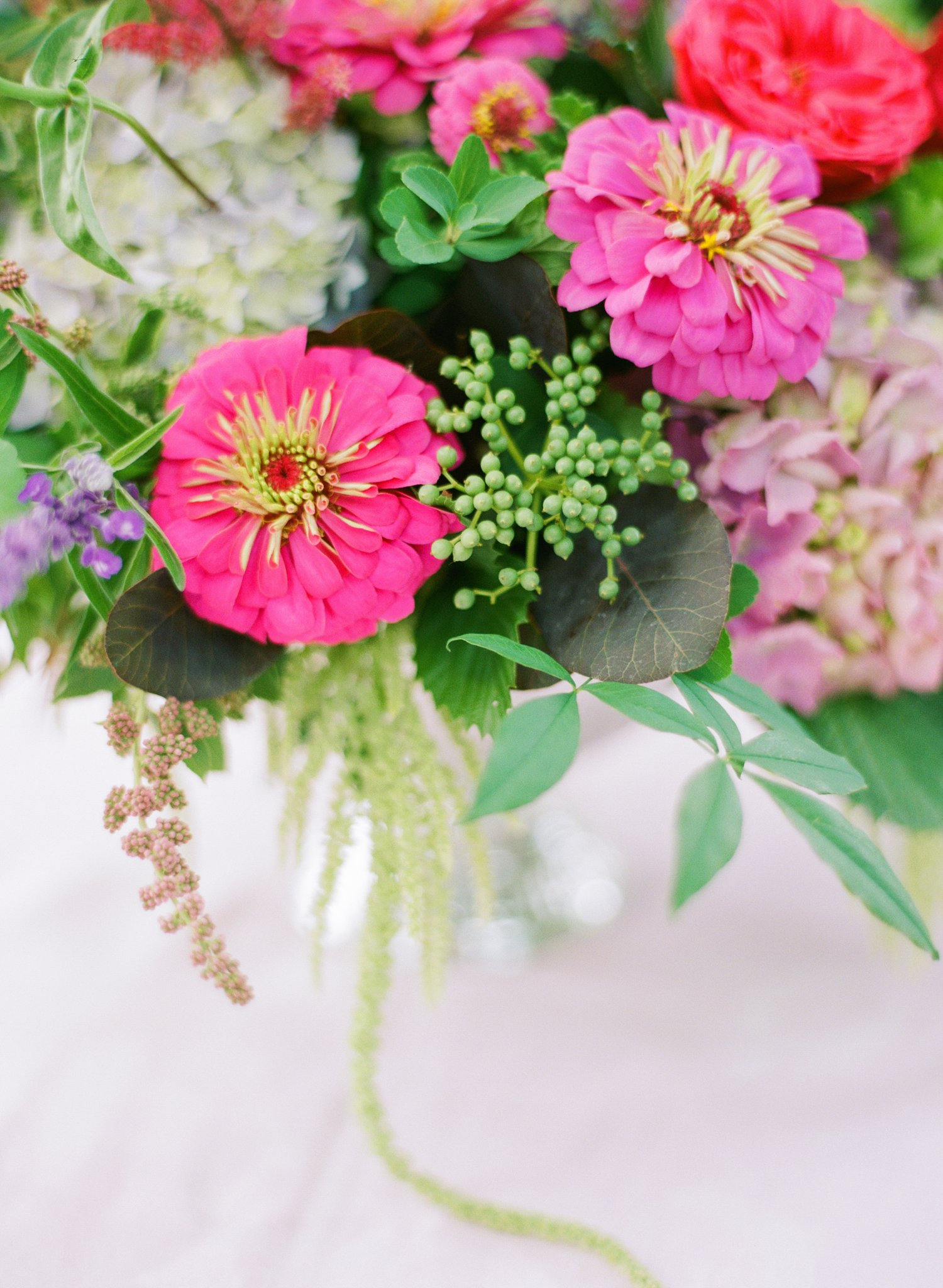 Floral arrangement with Zinnia