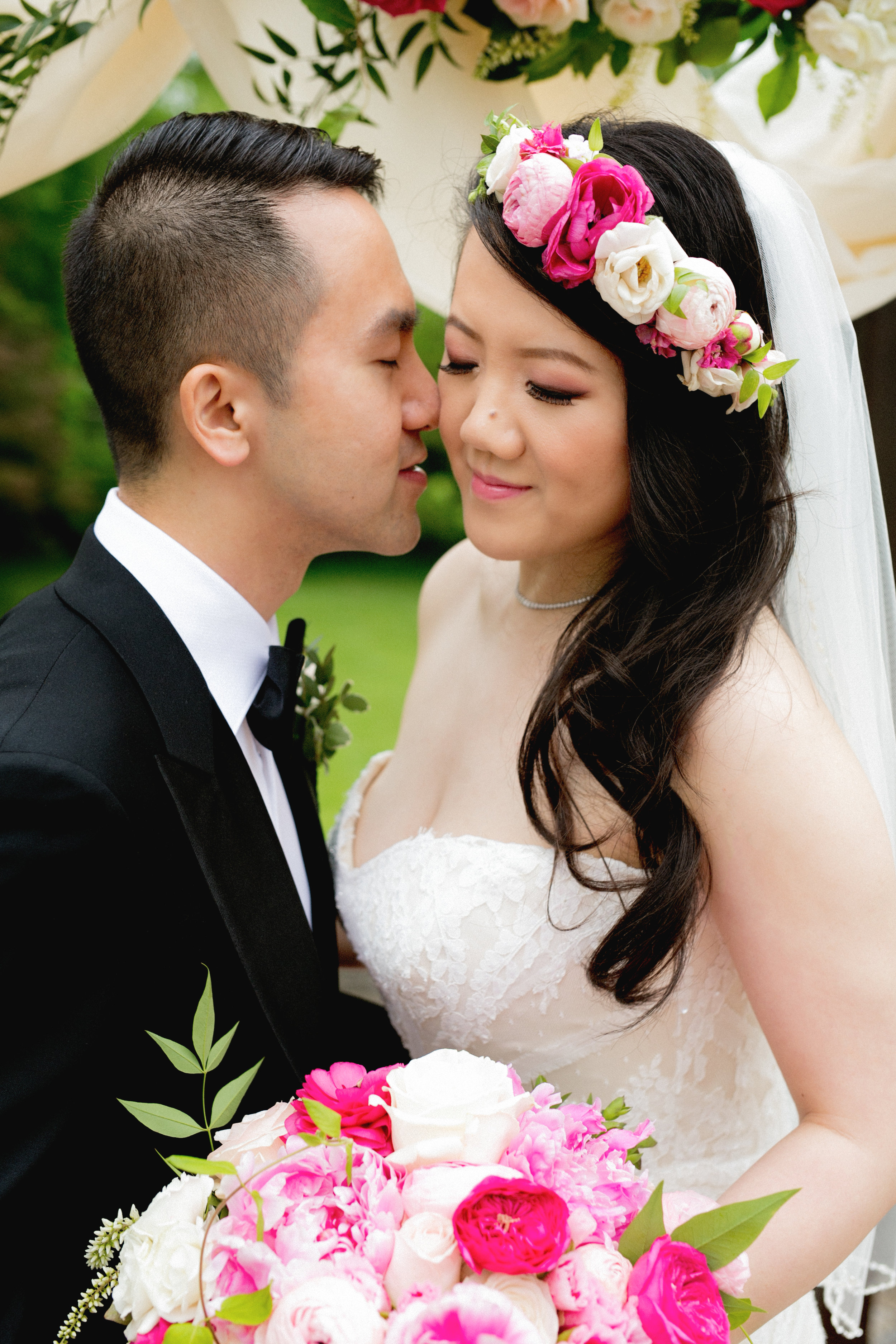 Bride and groom at Historic Rosemont Manor