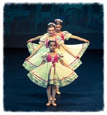 Dancers in 2014 Aladdin!