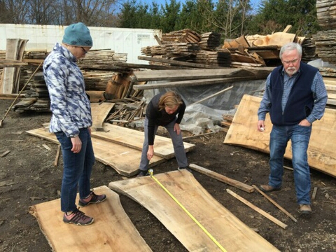 Measuring the length and width of the slabs.