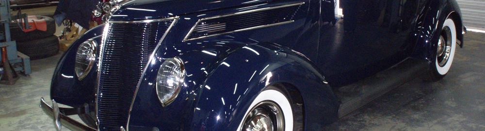 1937 Ford Tudor Humpback Sedan