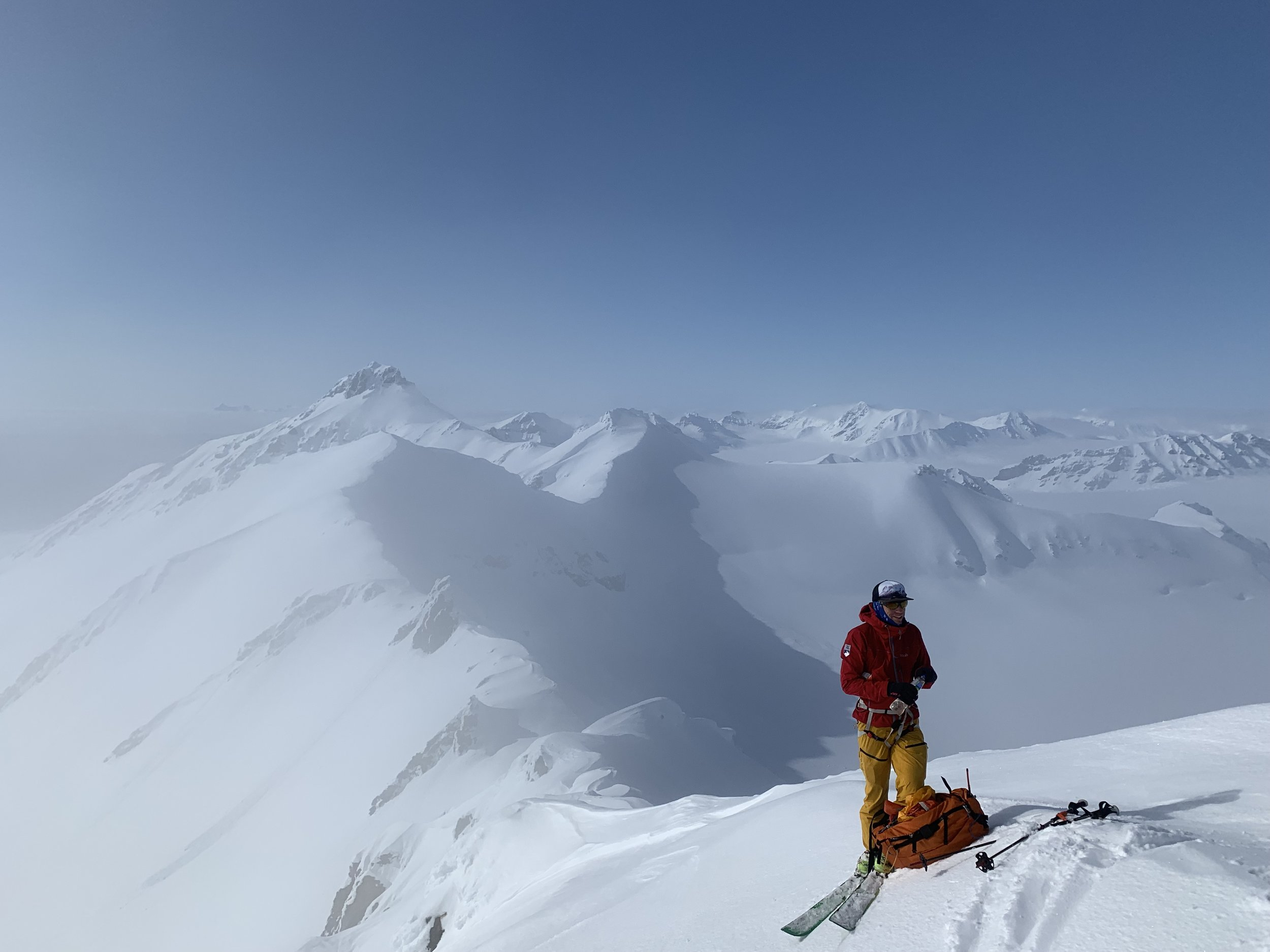 Another summit and transition before skiing to the Barents Sea…