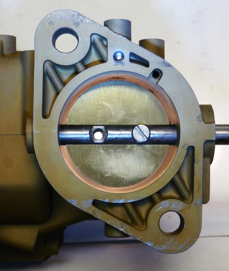 Throttle bore enlarged to 44mm from 40mm. You can see how a 40mm throttle valve looks in the new bore.