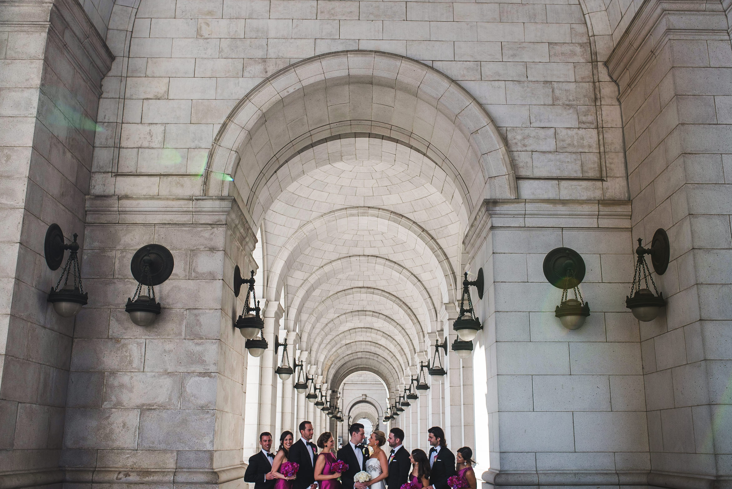 Wedding at National Museum of Women in the Arts by Photographer Mantas Kubilinskas-13.jpg