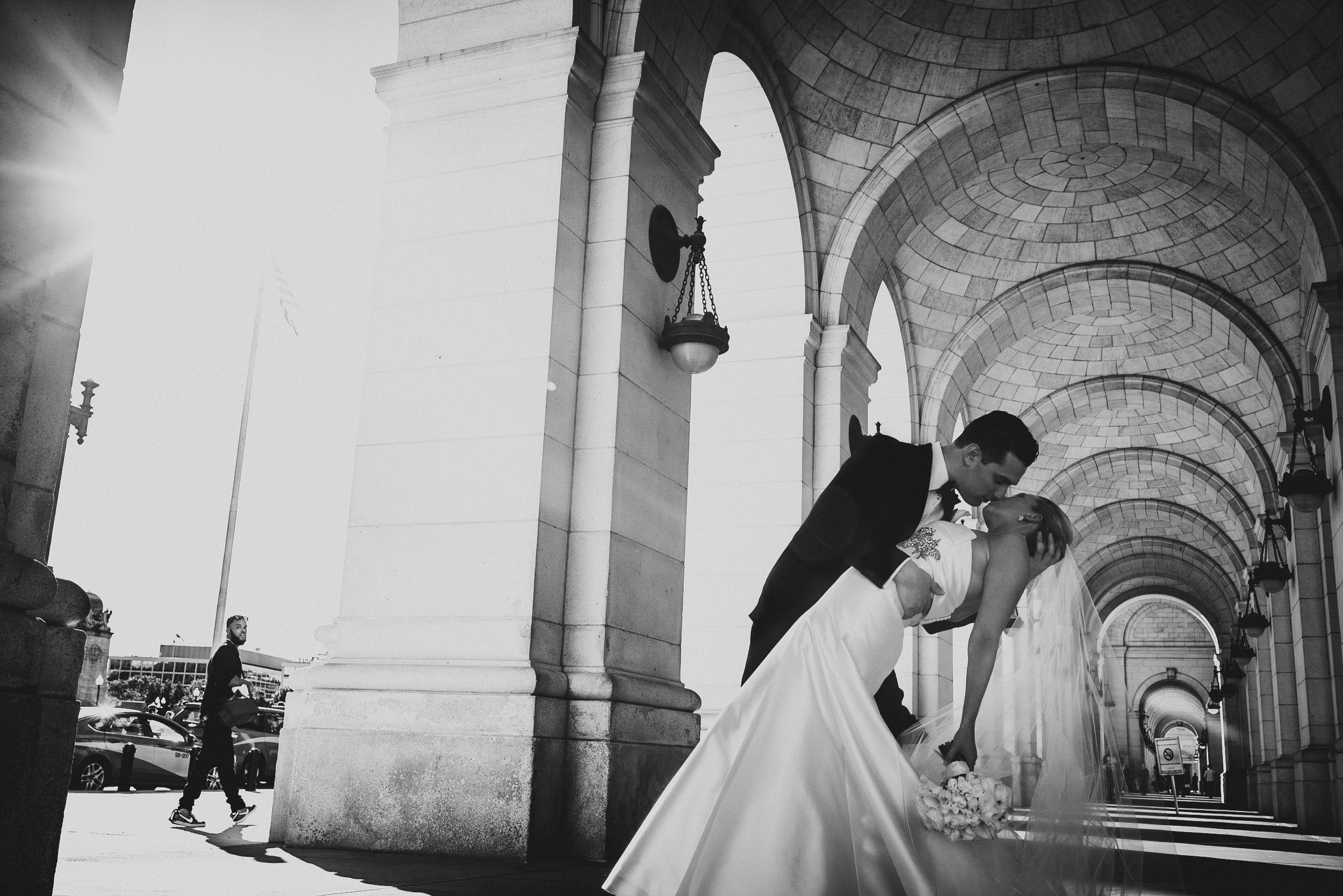 Wedding at National Museum of Women in the Arts by Photographer Mantas Kubilinskas-15.jpg