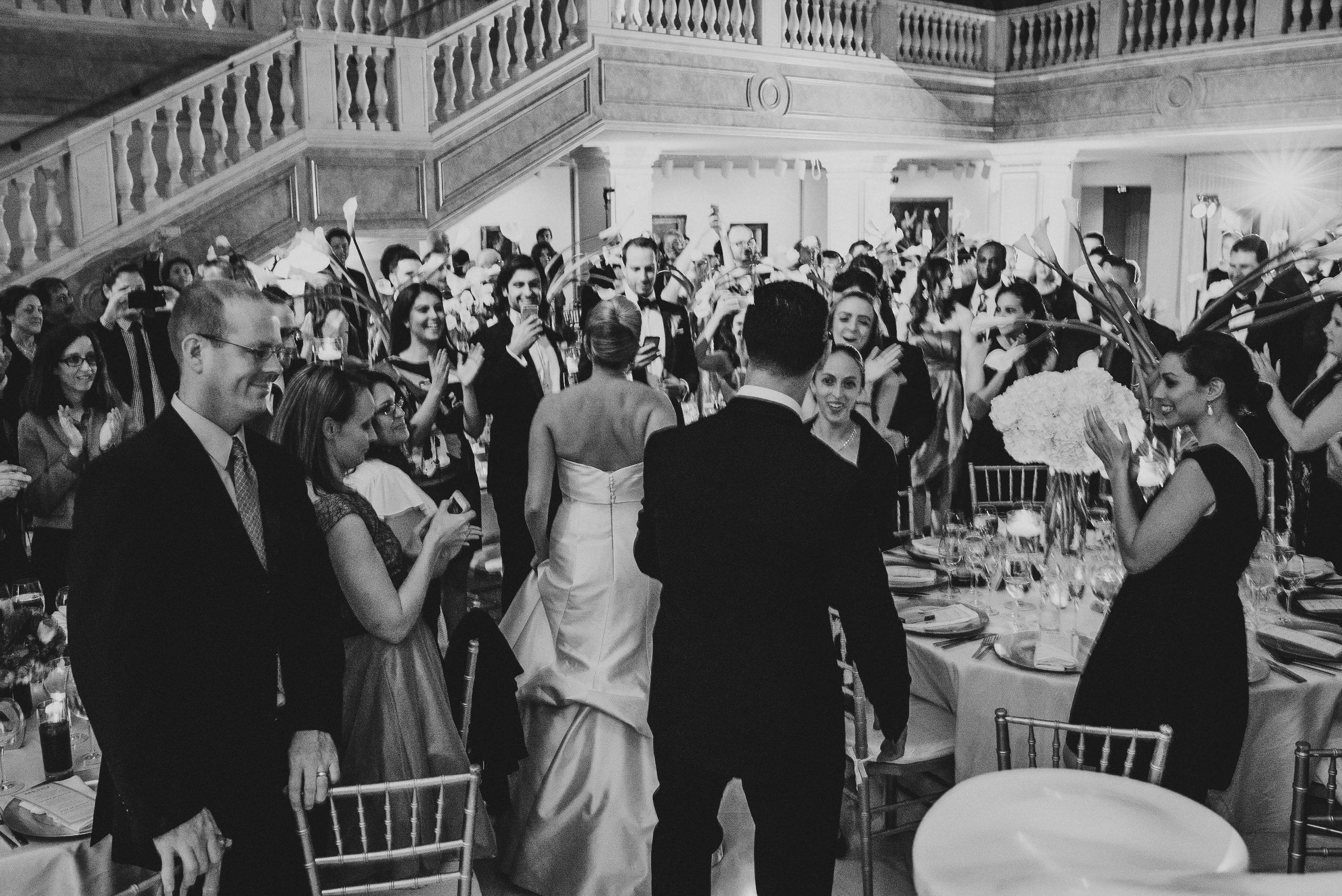 Wedding at National Museum of Women in the Arts by Photographer Mantas Kubilinskas-24.jpg