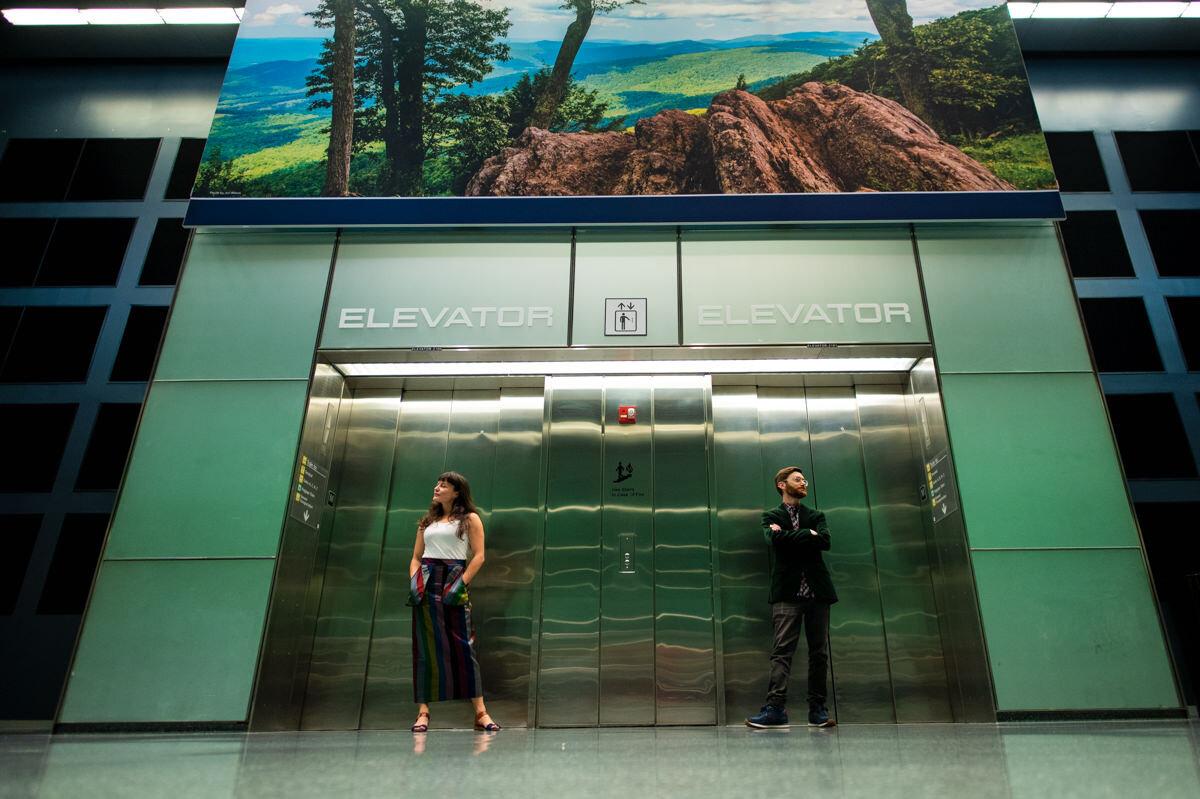 dulles airport engagement session Photographer Mantas Kubilinskas