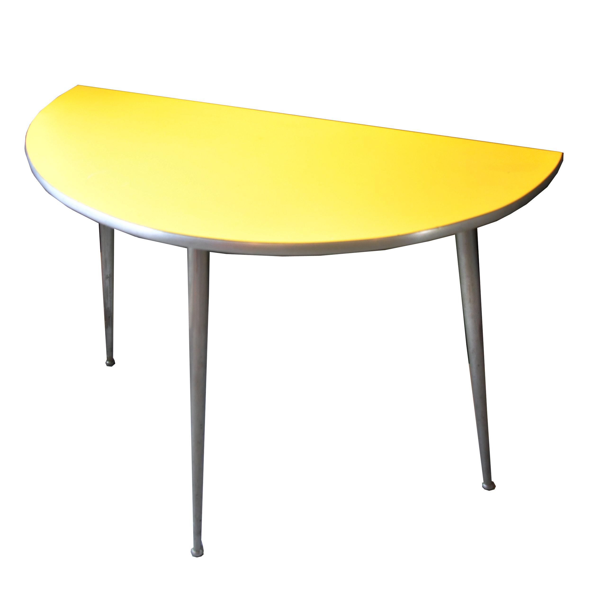 Gelbe Konsole -