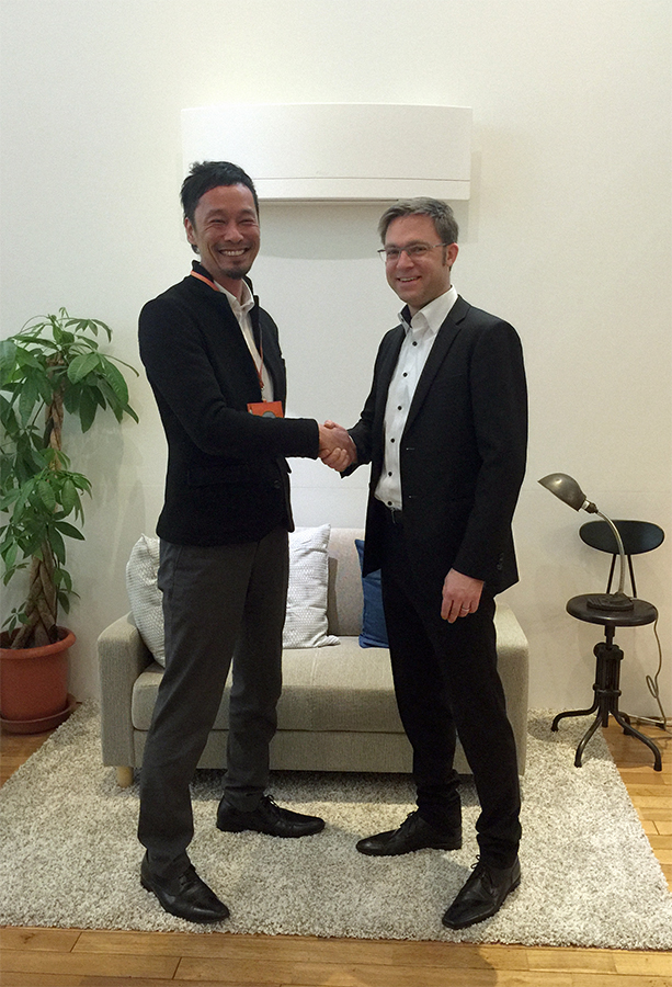 Seki Kouchirou , Group Leader Technology and Innovation Center, Settsu, Japan and Alexander Schlag compliment each other on the successful cooperation.