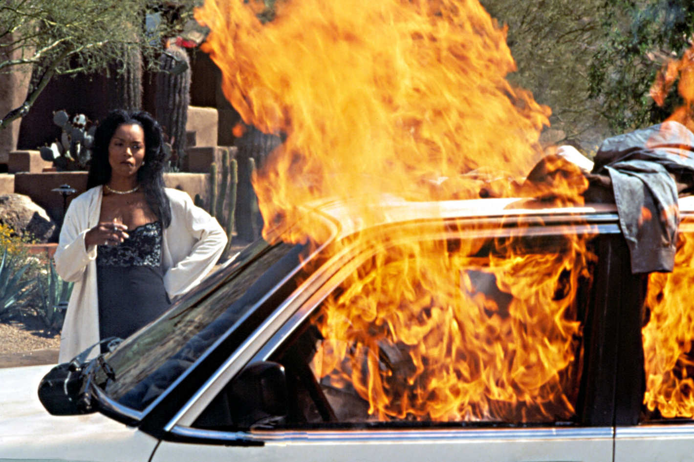 23-waiting-to-exhale-car.w710.h473.2x.jpg