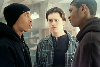 fredro_starr_clifton_collins_jr_usher_raymond_light_it_up_001_original.jpg