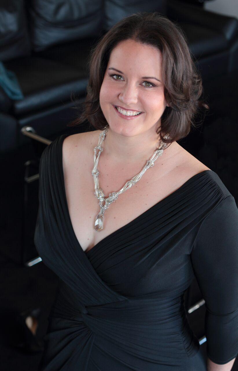 Elza van der Heever is Leonore in Beethoven's  Fidelio
