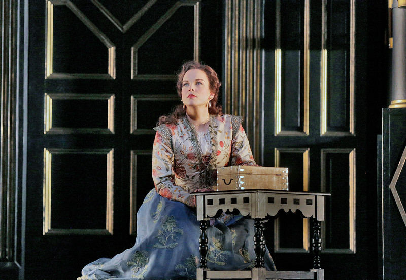 Sara, rival of Queen Elizabeth in  Roberto Devereux
