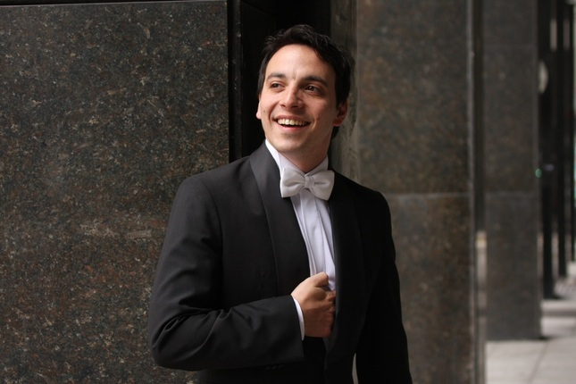 Santiago Ballerini sings Fernand