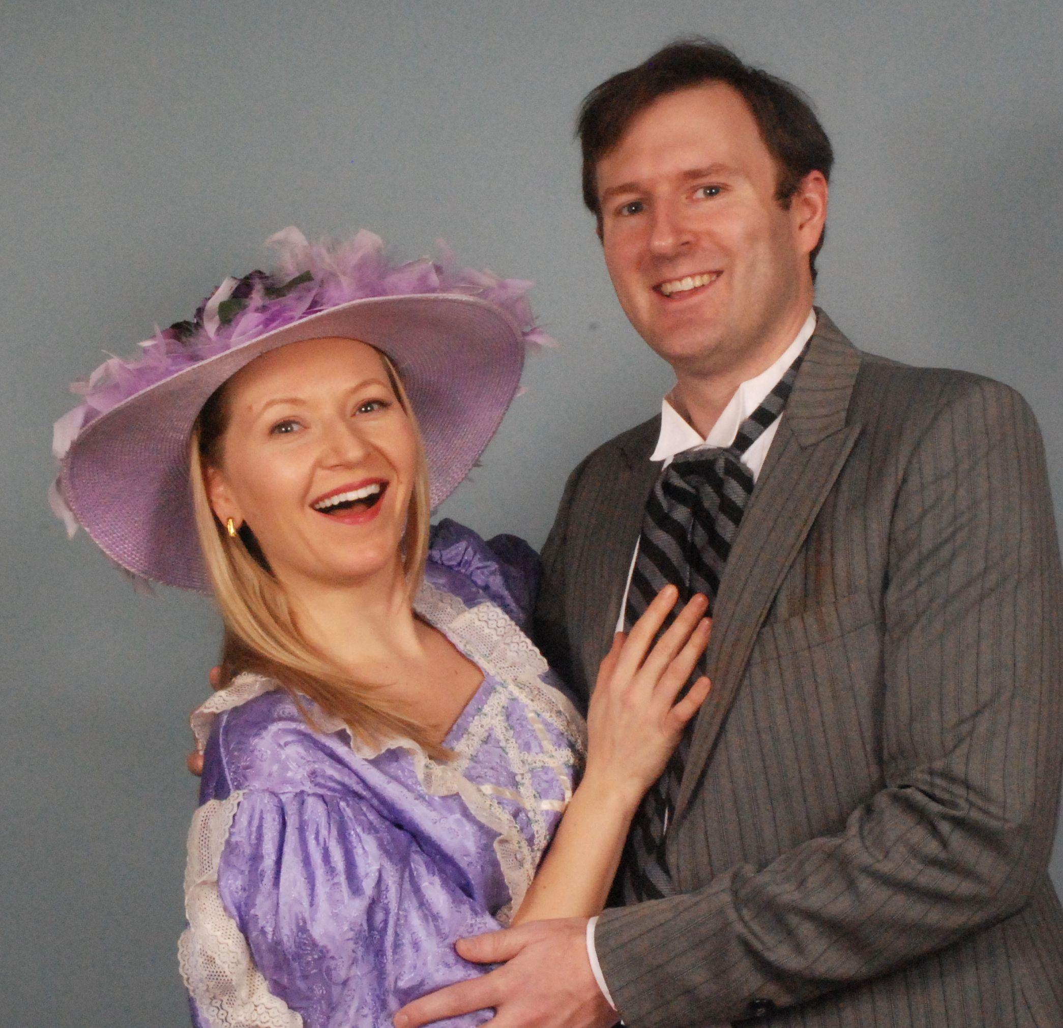 Tanya Roberts and David Richy as Aline and Alexis