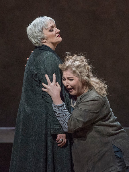 Michaela Schuster and Christine Goerke in a Mother and Daughter chat