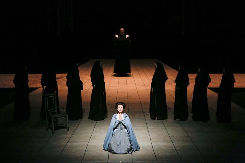 Isabel Leonard  stars in   Poulenc's   Dialogues des Carmélites
