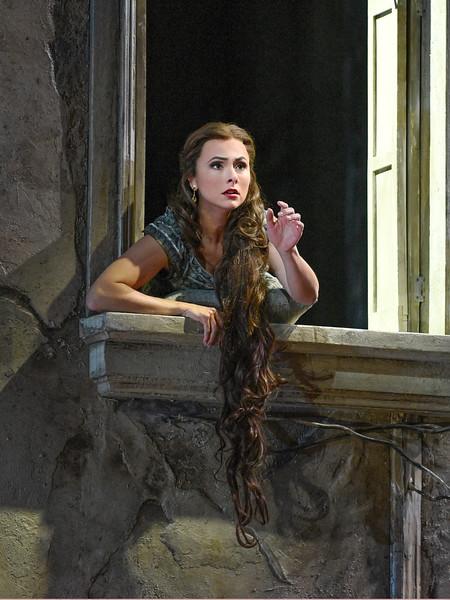 Isabel Leonard as Mélisande in her window at night