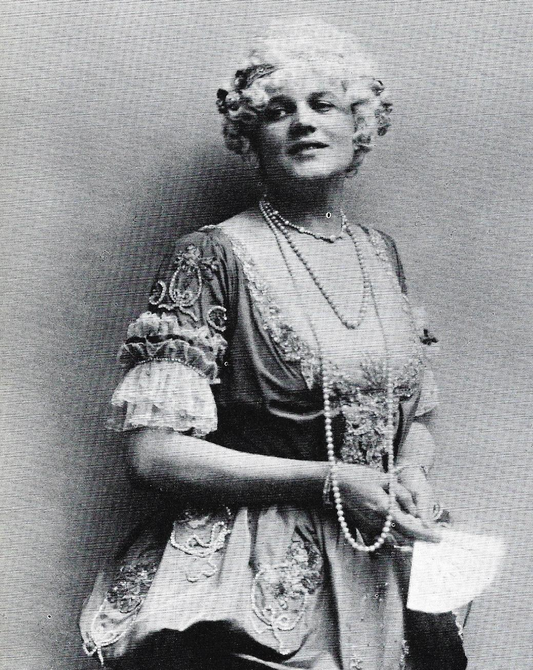 The great Maria Jeritza as Puccini's Manon Lescaut, from  The Vienna Opera  by Marcel Prawy