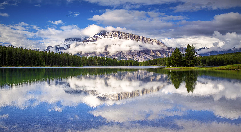 Two Jack Lake, Banff National Park. Canada
