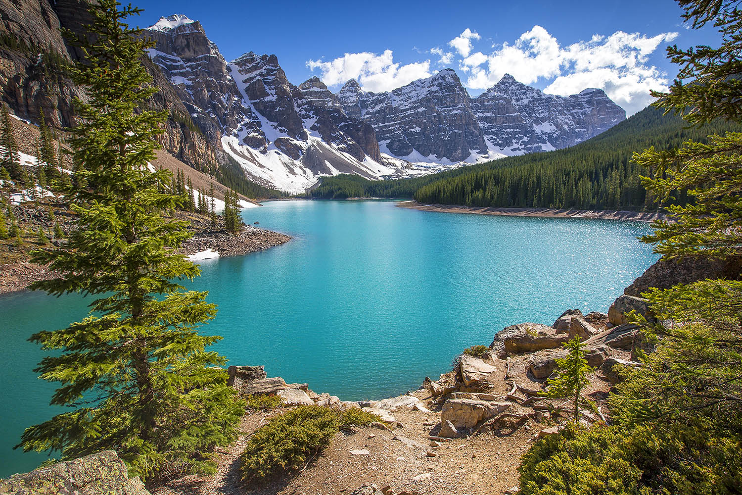 Moraine Lake, Banff National Park. Canada
