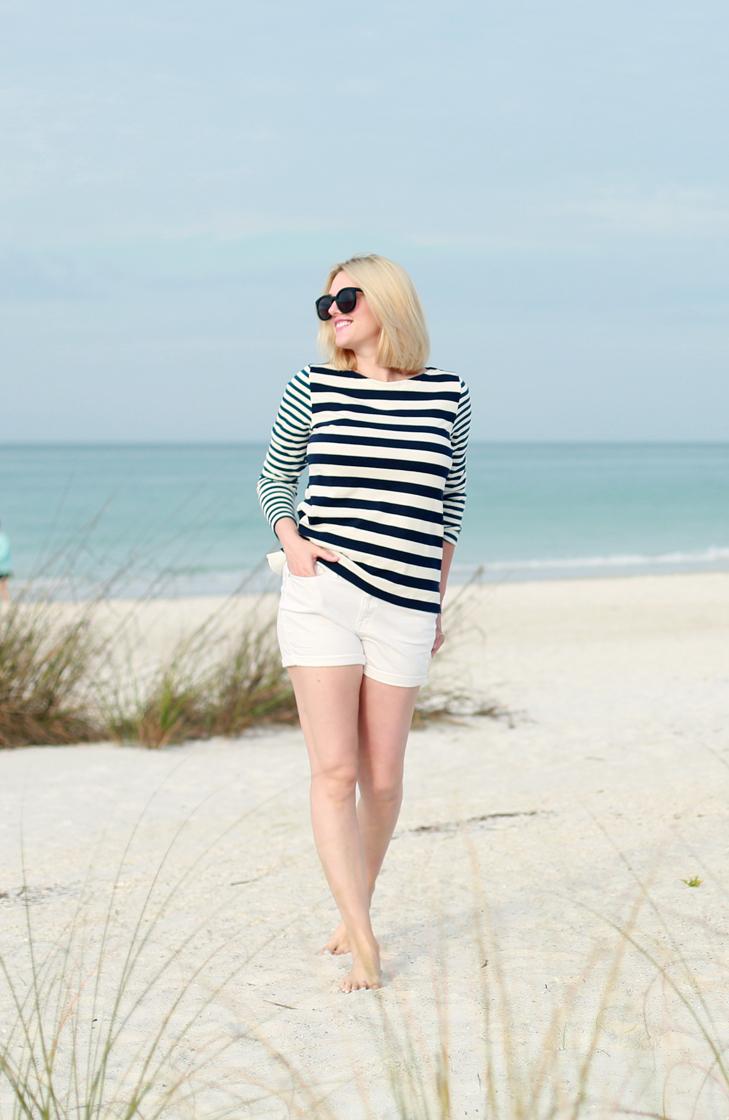 Beach+Blonde+-+Nautical+Outfit+2.jpg