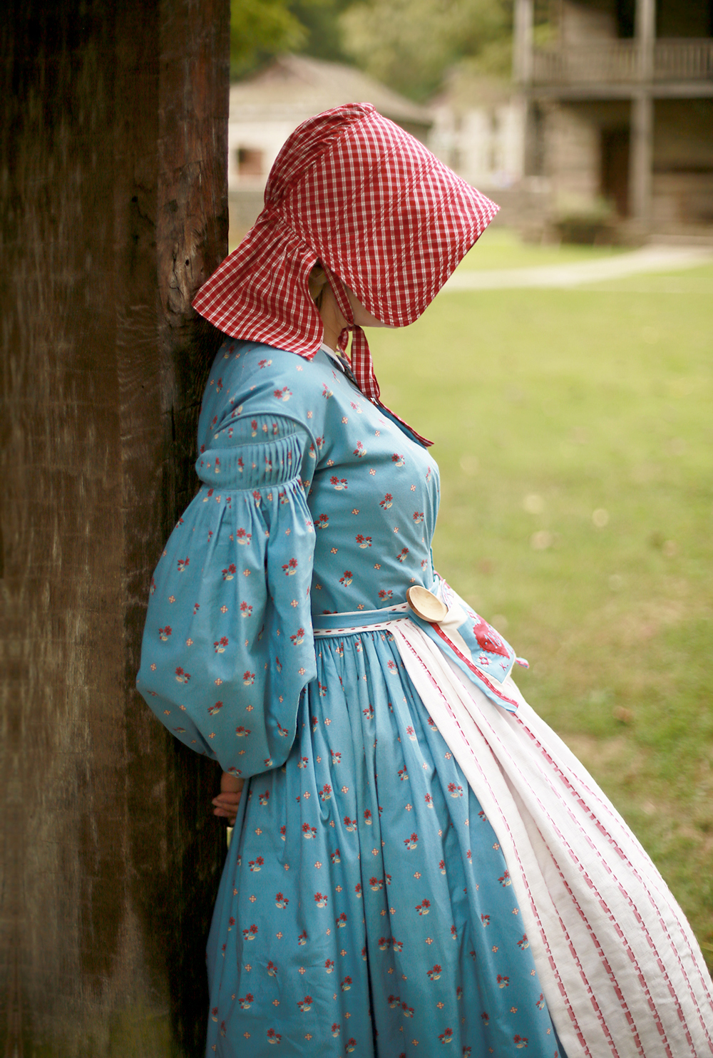 Kirsten Larson 1854 Costume Cosplay by Jessica Quirk