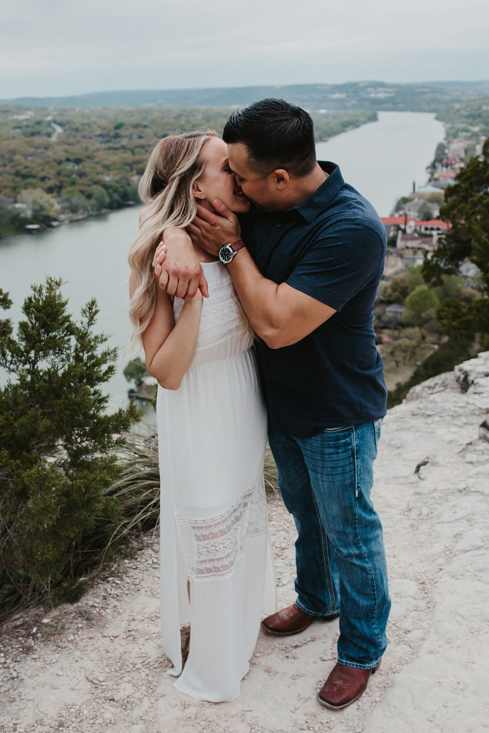 liz-stephen-engagement-mount-bonnell-austin-texas-022.jpg
