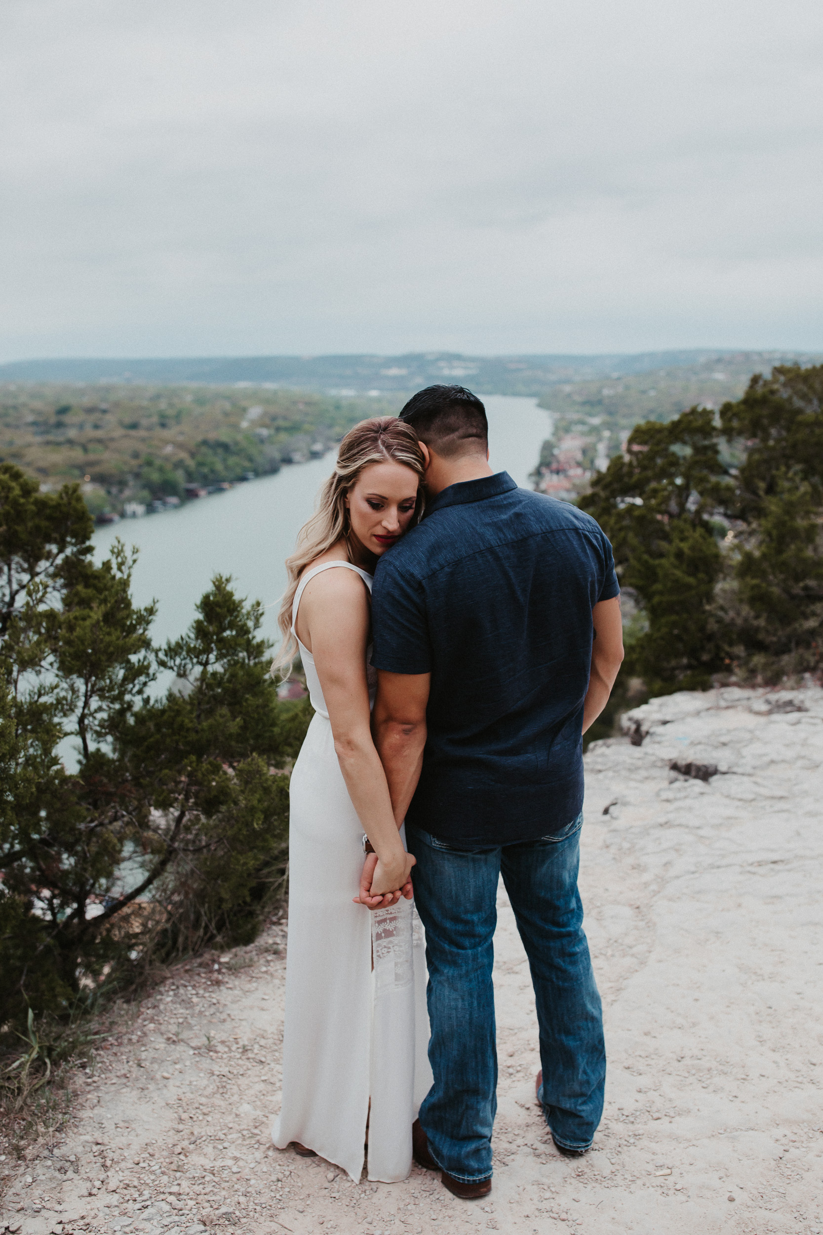 liz-stephen-engagement-mount-bonnell-austin-texas-023.jpg