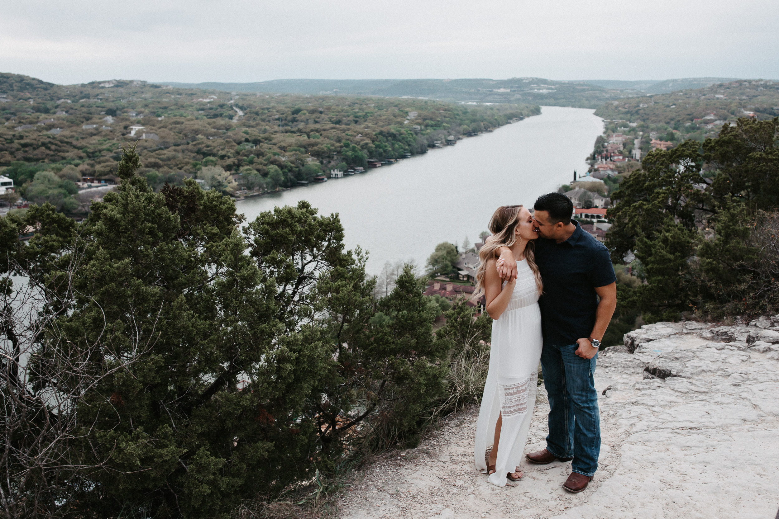 liz-stephen-engagement-mount-bonnell-austin-texas-020.jpg