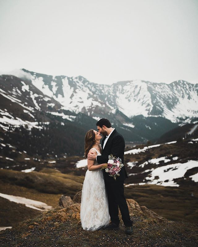 It has been snowing in Denver the last few days and I'm ready for snowy ski peaks and winter elopements and weddings! ❄️🎿🏔 . . . . . . #isaidyes #shesaidyes #weddingdreaminspiration #weddingphotoideas #travelweddingphotographer  #wanderingphotographers  #engagement  #wedding #breckenridgeengagementphotographer #breckengagementphotographer #breckenridgeweddingphotographer #breckweddingphotographer #breckenridgeelopementphotographer #coloradoweddingphotographer #denverweddingphotographer #denverengagementphotographer #coloradoengagementphotographer #coloradoelopmentphotographer #weddingdreaminspiration  #adventurephotographer  #weddingdayready  #adventurouswedding  #couplesphotoshoot  #sanddreamlovers